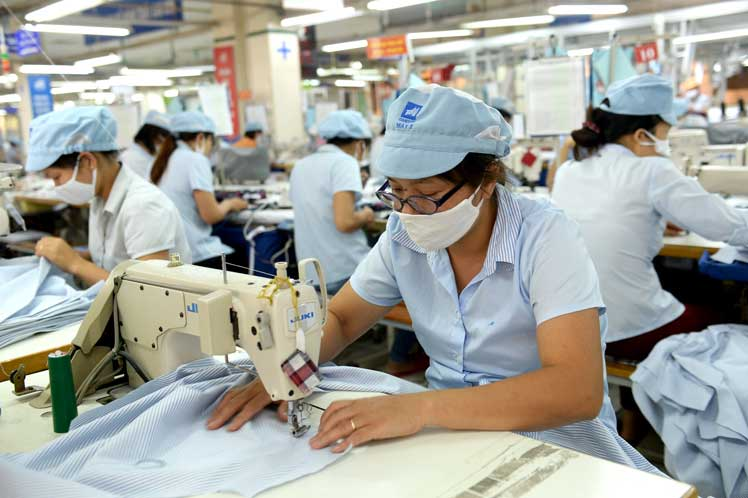 Racing to Vietnam: Could Too Many Orders Threaten Vietnam's Apparel Industry?